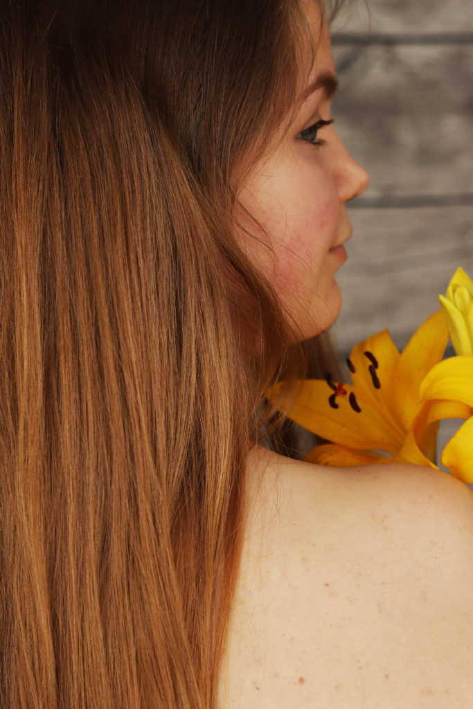 selbstliebe, ungeschminkt, sich selbst akzeptieren, lisa, flowersandcrowns.